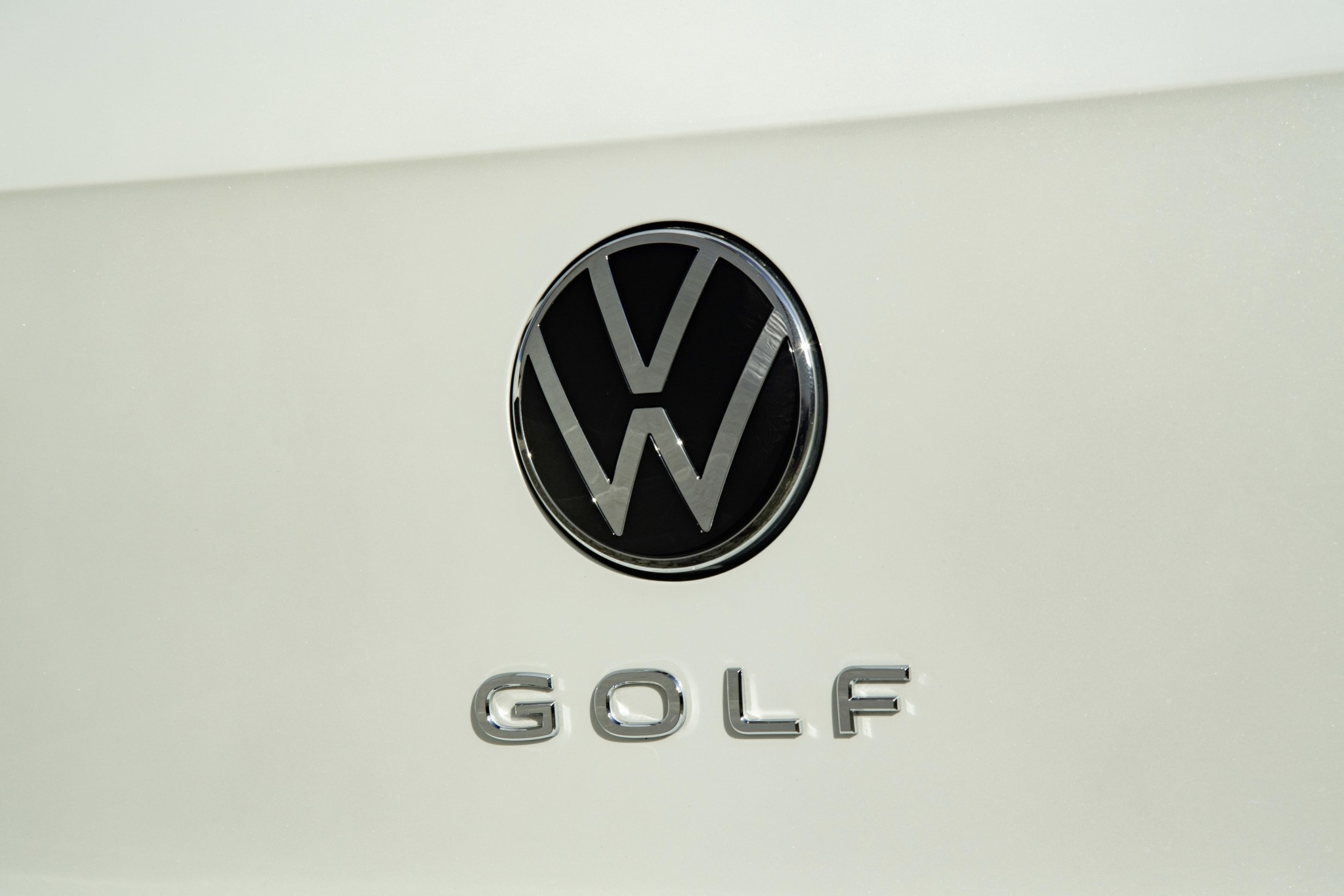 logo-volkswagen-golf-8